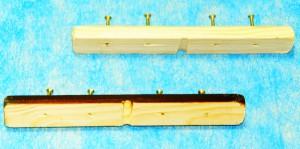 Изображение в разрезе верхних деревянных планок крепления капронового троса профилактора Евминова, а так же специальные стальные и оцинкованные шурупы.