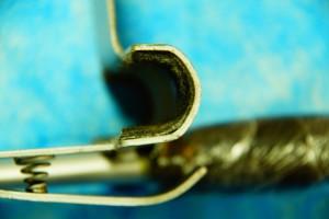 Фото. Фетровая прокладка черного цвета внутренней части передвижной каретки профилактора Евминова.